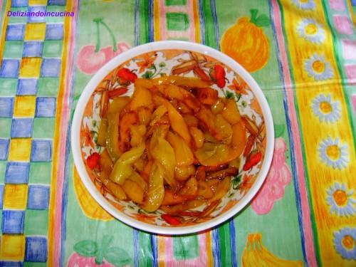 Peperoni fritti all'aglio